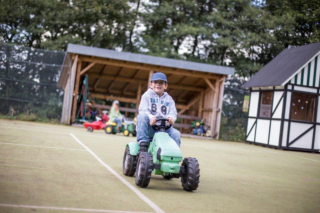 Ferienspaß auf dem Abenteuerspielplatz im Schmallenberger Kinderland